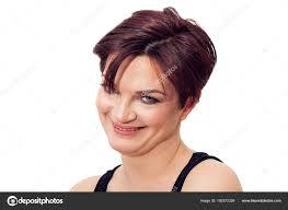 Krásná A šklebící Se žena Portrét S Krátké Zrzavé Vlasy A Modré Oči