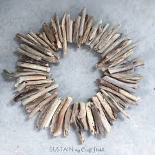 How to Make a Driftwood Wreath