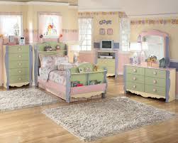 Bedroom Sets At Ashley Furniture Ashley Furniture Bedroom Sets On Black Bedroom Furniture Perfect