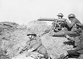 Технологии Первой мировой войны Википедия Пулемёт стал одной из решающих технологий во время Первой мировой Британский пулемёт Виккерс на Западном фронте