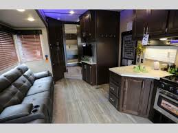 wolf pack fifth wheel interior
