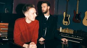 A Deconstruction of All Our Favorite Moments on <b>HONNE's</b> '<b>Love Me</b> ...