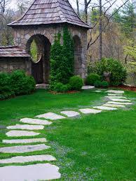 garden pathway. ©Alex Smith Garden Design, Ltd. Pathway O