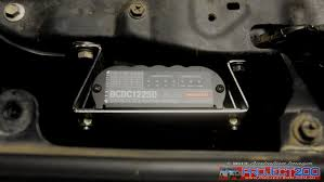 landcruiser 200 dual batteries and dc dc charger project 200 iPhone Charger Wiring Diagram 6 at Redarc Dc Dc Charger Wiring Diagram