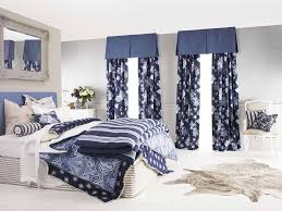 Short Curtains For Bedroom Bedroom Window Curtains And Drapes Free Image