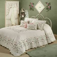 Posy Floral Oversized Quilted Bedspread Bedding &  Adamdwight.com