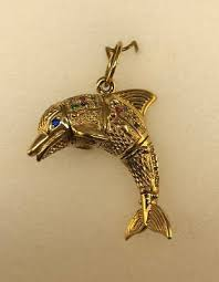 9ct gold movable cubic zirconia dolphin