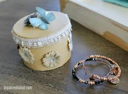 inexpensive jewelry storage idea
