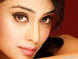 Download Hd Shriya Beautiful Actress Wallpapers For Your