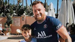 UFC: Conor McGregor shows his support ...