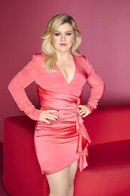 Where Is Kelly Clarkson From And Where ...