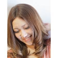 グラマラスサマーロング Ineedアイニードのヘアスタイル 美容院