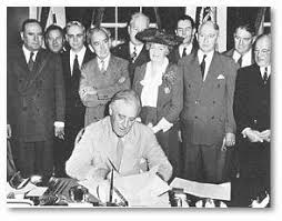 「1944 FDR signs GI bill」の画像検索結果
