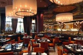Sale Da Pranzo Con Boiserie : Moderna sala da pranzo lampade con ben luce contemporanea