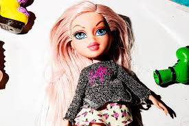 cana speaks from a public relations standpoint but when jasmin discusses bratz dolls she bees pionate her voice rises