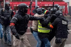 فرنسا - أصحاب السترات الصفراء يعودون إلى الشارع مجددا
