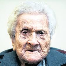 Resultado de imagen de Un anciano que no se interesa por nada