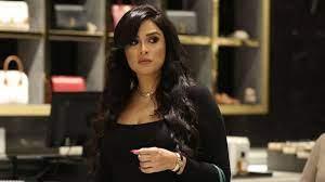 ياسمين عبدالعزيز في ظهورها الأول بعد وعكتها الصحية.. ابتسامة مشرقة