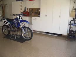 epoxy floor coating for your garage pros and cons. Benefits Of Epoxy Flooring Systems: A Coating With More Pros Than Cons Floor For Your Garage And