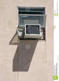 Fenster Klimaanlage Stockfoto Bild Von Wohnung Kühl Feucht 334478