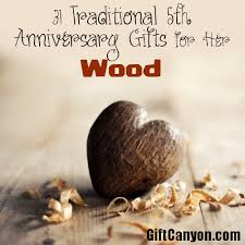 5th traditional wdding anniversary gifts for her wood