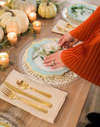 Unexpected Thanksgiving Table Decor with aqua, cream and celadon