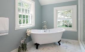 Blue-gray and white. bathroom-color-schemes-9