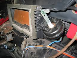 gmc sonoma chevy s 10 transfer case vacuum switch actuator when vacuum is applied to the blue hose the arm pulls open the defroster