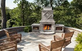 Outdoor entertainment features can transform your home's backyard ...