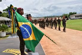 Resultado de imagem para imagens da bandeira do brasil tremulando