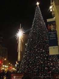 Westlake Tree Lighting 2016 A Christmas Evening In Downtown Seattle 3 Free Happenings