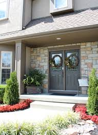 painting a front doorPainting a Front Door  Helpful Tips and 5 Mistakes to Avoid