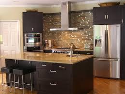 schwarze kücheninsel