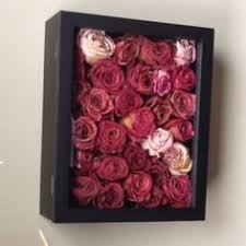 Great idea for the dozens of dried roses - Ways to keep em :)