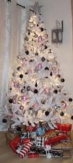 Aqua And Red Christmas TreeRed Silver And White Christmas Tree