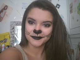 there you go for the cat makeup and if you want to do a cat nail easy