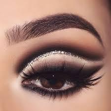макияж для карих глаз стрелки для завершения образа