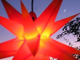 Mit Led Außenstern Stern Rot Mit Gelben Spitzen Weihnachtsstern 55 60 Cm Stern Außen Mit Leuchtmittel Led Start Ndl Duh E14 C35w 104 Dioden