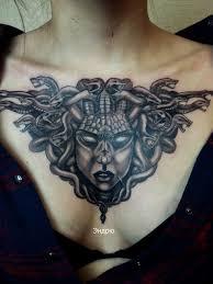 медуза горгона тату на груди у девушки добавлено андрей суворов