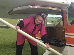 Es juckt mich» - 85-Jährige liebt Tandemspringen