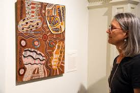 Dr Margo Smith at Kluge-Ruhe Aboriginal Art Collection - ABC News  (Australian Broadcasting Corporation)