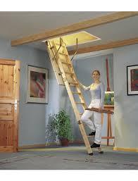 So gehen sie beim dachboden ausbauen praktisch vor und schaffen damit. Dolle Bodentreppe Dolle Kompakt Max Raumhohe 285 Cm Fichte U Wert 1 3 W M K Hagebau De