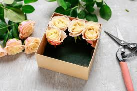 florist workplace how to make box with flowers step by step tutorial