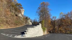 chimney rock retaining wall parking