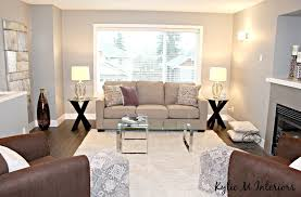 home staging and decorating ideas for the living room with sherwin williams repose gray or benjamin