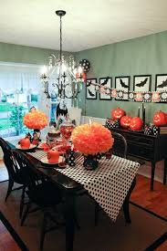 decorating dining table for party with black crystal chandeliers