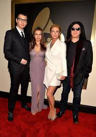 gene simmons daughter plus size model. sophie is pictured with her brother nick, mother shannon and father gene simmons . daughter plus size model m