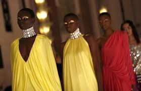 Неделя моды в Лондоне: показы Halpern, Simone Rocha и <b>Mary</b> ...