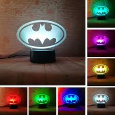 Fanrui 2019 3d Led Marvel Batman Symbol Logo Dc Justice League Batman Sign 7 Color Dimming Gradient Light Night Child Kids Desk Table Lamp Decor