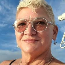 Susie Hilton   ConnectedInvestors